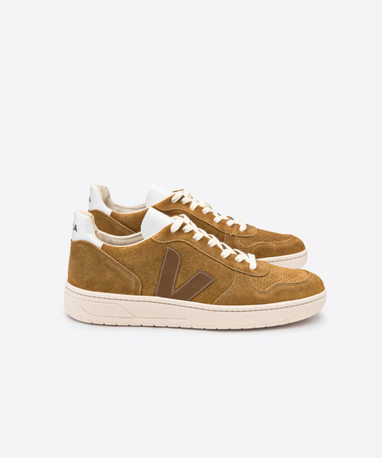 Sneakers camel V-10 suede