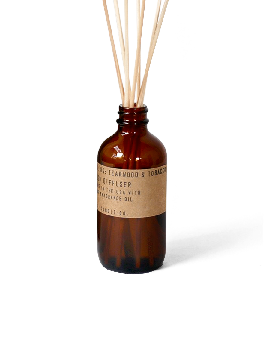 reed-diffuser-04-teakwood-and-tobacco-pfcandleco