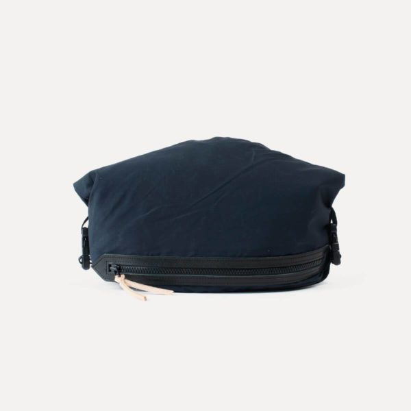 washbag in navy blue tech material bleu de chauffe for a mon image
