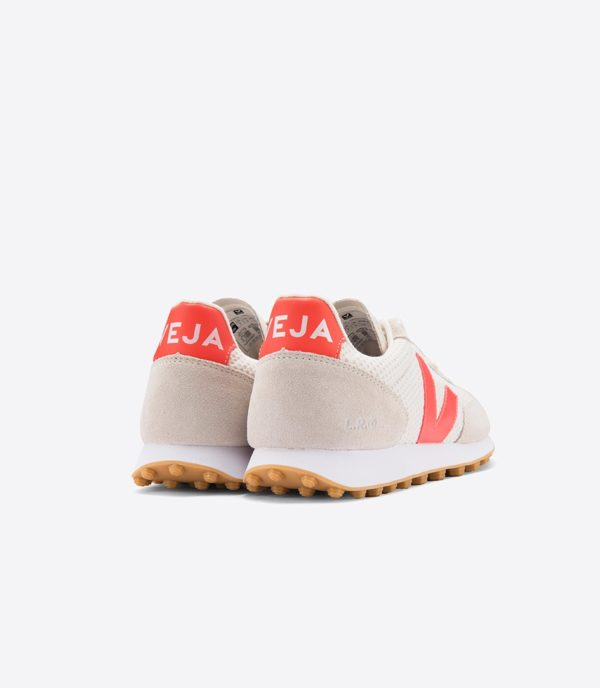 sneakers running rio branco in mesh white and orange fluo made by veja for a mon image paris